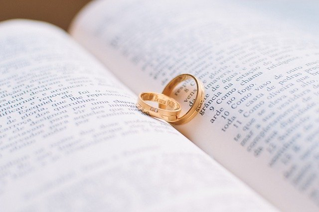 Marriage rings don't always survive. Luckily marriage records for genealogy do!